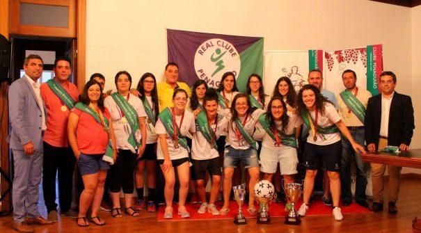 Entrega da Taça de Campeãs Distritais de Futsal Feminino