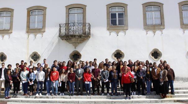 Município entregou 62 Bolsas de Estudos